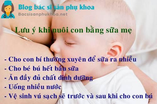 Lưu ý khi nuôi con bằng sữa mẹ