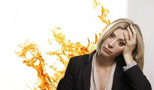 Bốc hỏa thường xảy ra ở phụ nữ mãn kinh và tiền mãn kinh